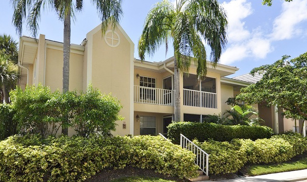 St. Simone Condo Real Estate for Sale in Naples, Florida