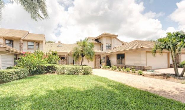 Villas at Pelican Bay Real Estate for Sale in Naples, Florida