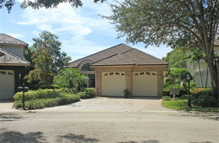 Oak Lake Sanctuary Villas Real Estate for Sale in Naples, Florida